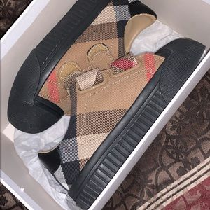 Toddler boys Burberry shoes
